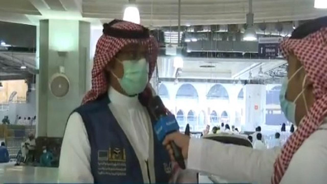 بالفيديو.. 10 روبوتات بنظام تحكم آلي لتعقيم المسجد الحرام