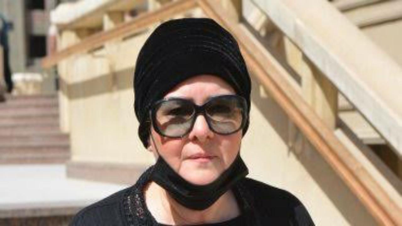 نهال عنبر تنفي ما يثار حول عودة دلال عبدالعزيز لمنزلها خلال الساعات المقبلة