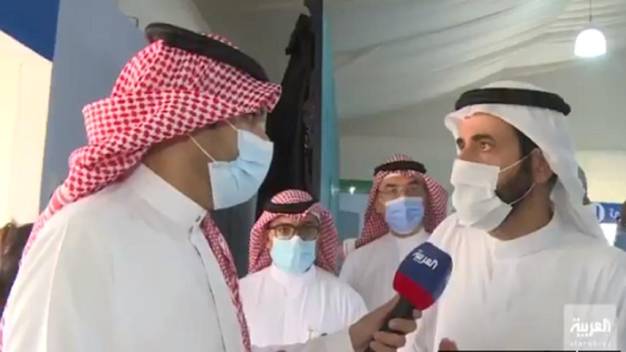 """بالفيديو.. وزير الصحة للمترددين في أخذ اللقاح: """"لاتسمعوا للمشككين"""""""