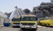 بالصور.. اندلاع حريق في مستودع مواد كيميائية بجدة
