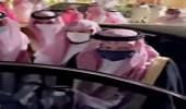 شاهد.. لحظة وصول الأمير بندر بن سلطان إلى عزاء الشيخ ناصر الشثري