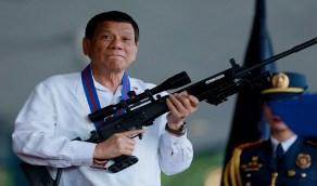 """رئيس الفلبين لشعبه: """"إما اللقاح أو السجن"""""""