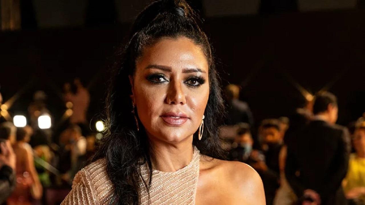 رانيا يوسف توضح سبب نشرها تعليقات المتحرشين بها في الهاشتاق المسيء