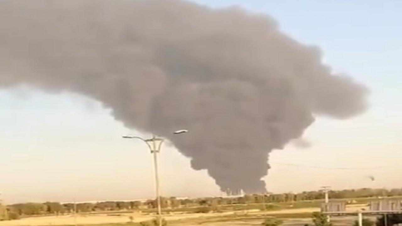 بالفيديو.. إندلاع حريق ضخم في مصفاة نفط بإيران
