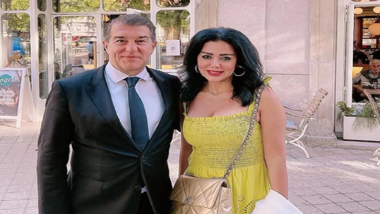 رانيا يوسف تتوعد مغردين أساؤوا لها بعد ظهورها مع مدرب برشلونة