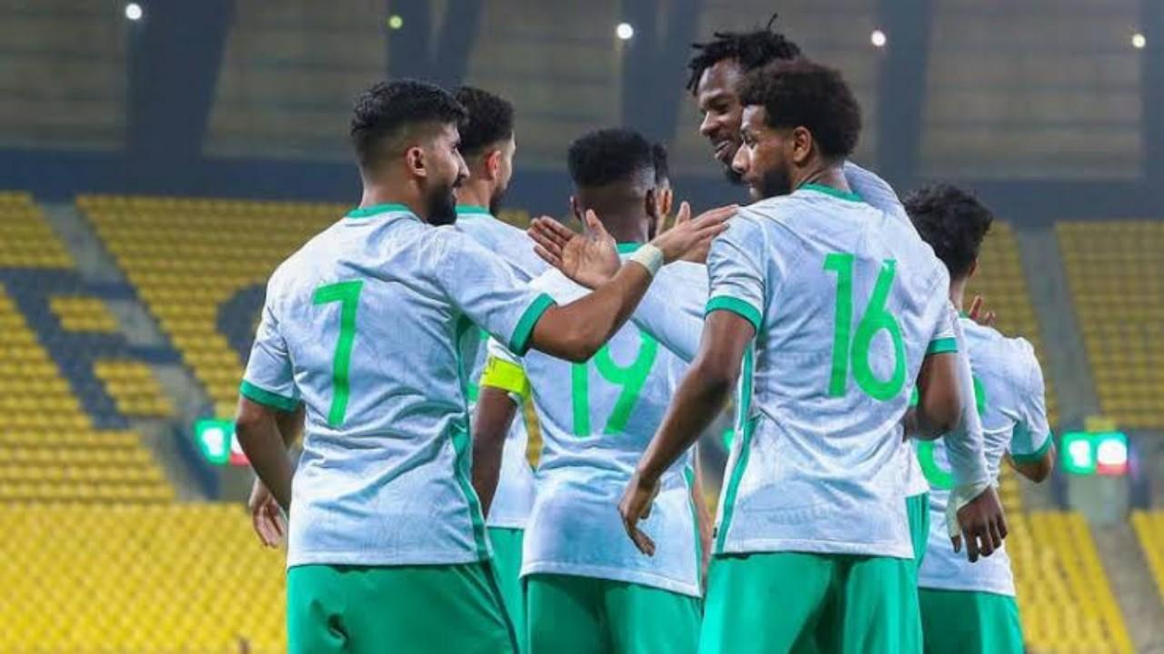 الأخضر يواصل الإعداد للقاء اليمن