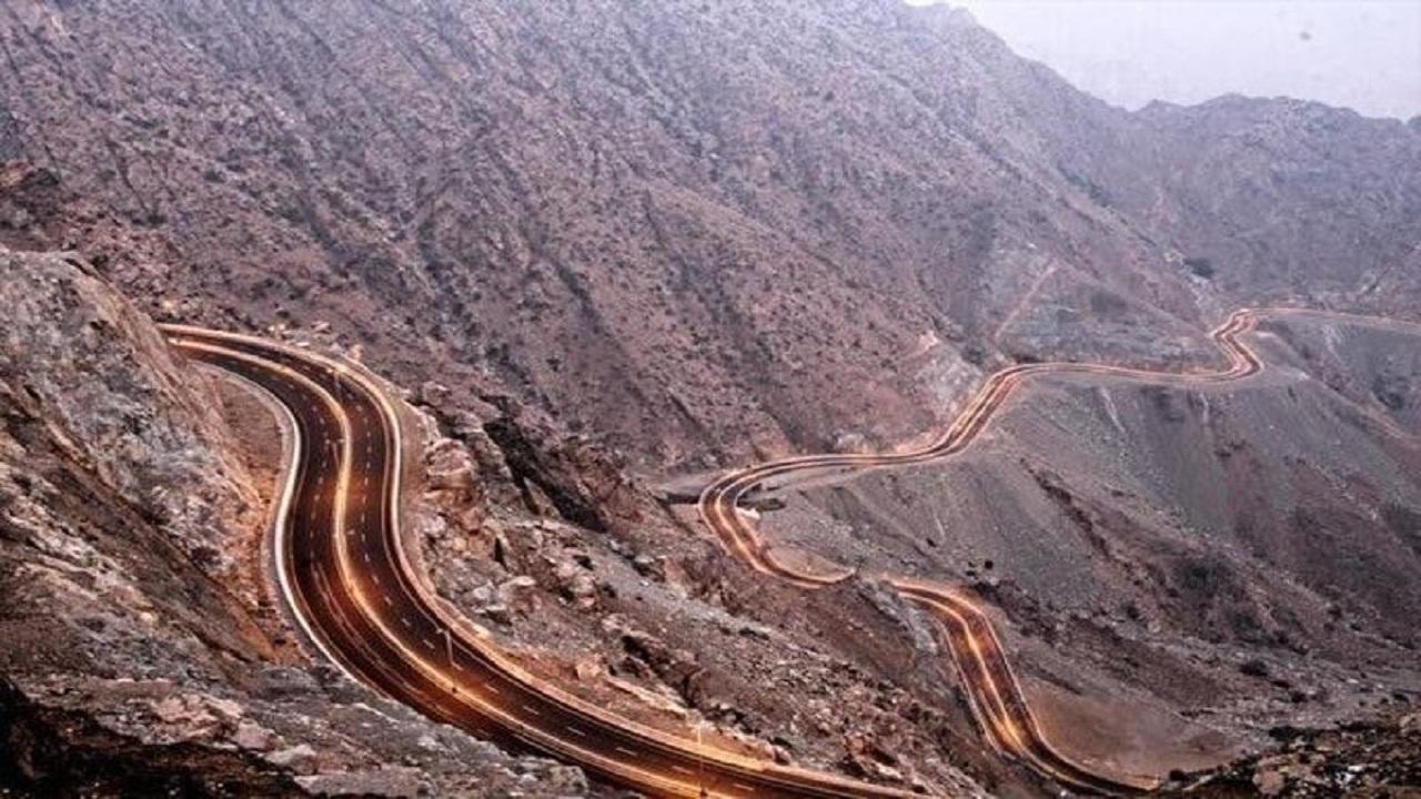 أمن الطرق يعلن إغلاق طريق الهدا مؤقتًا في الإتجاهين