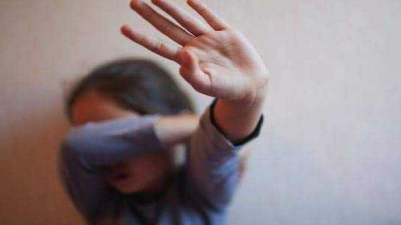 القبض على شاب اعتدى على طفلة داخل مسجد