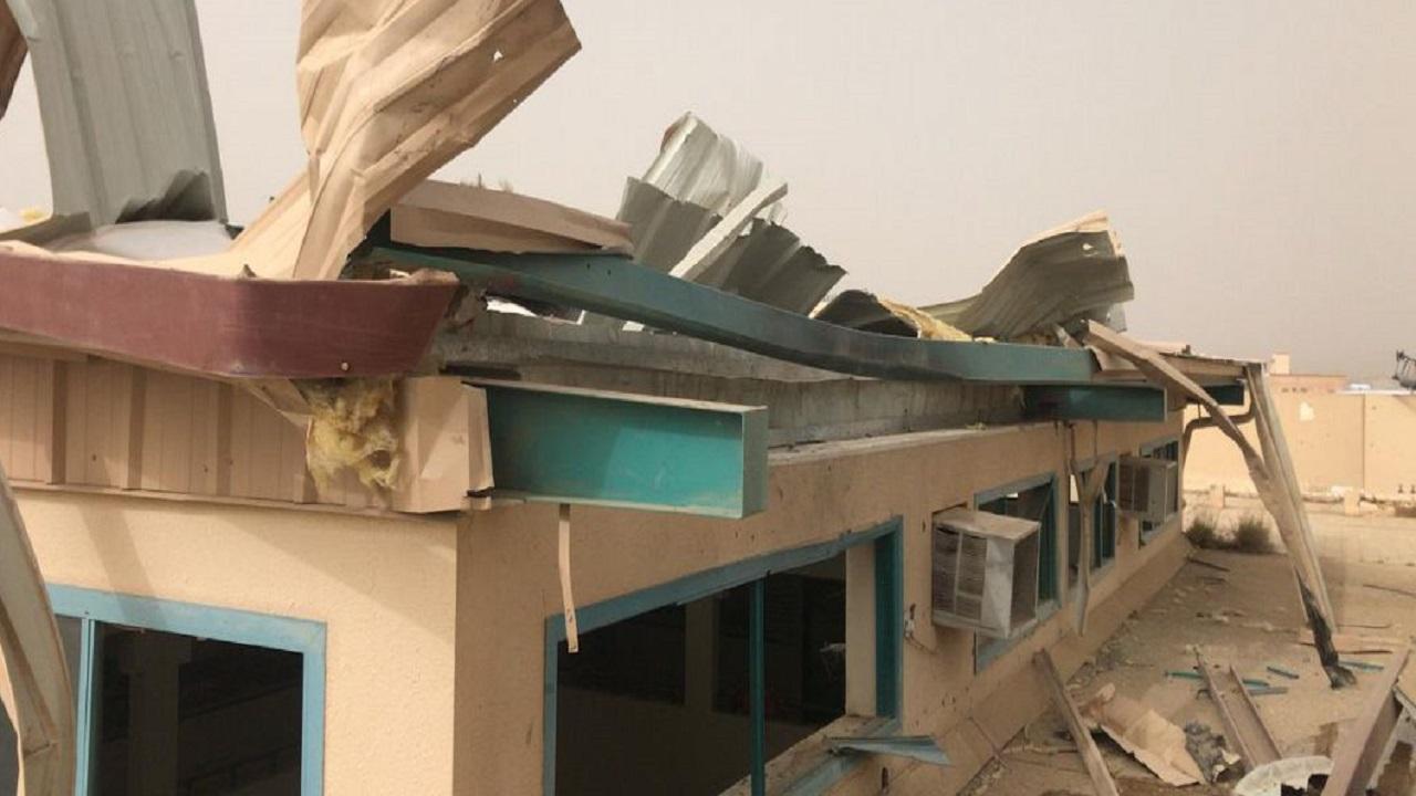 """سقوط طائرة مفخخة بدون طيار على إحدى المدارس في عسير """"صور"""""""