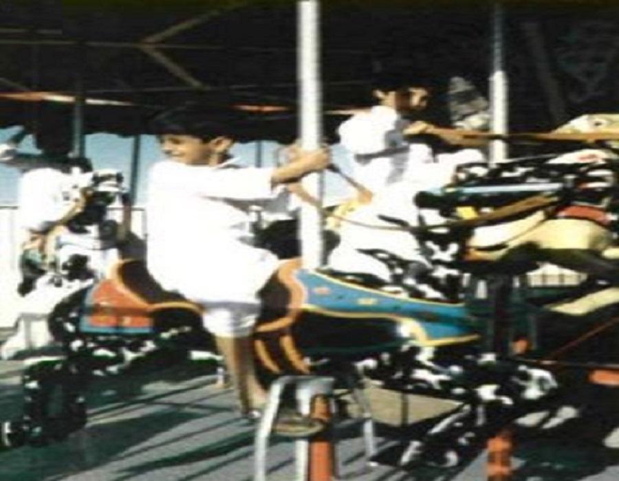 لقطة قديمة من مجمع الغروي التجاري والسياحي بخميس مشيط