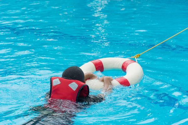 """نصائح مهمة من """"الصحة"""" لمنع حوادث غرق الأطفال"""