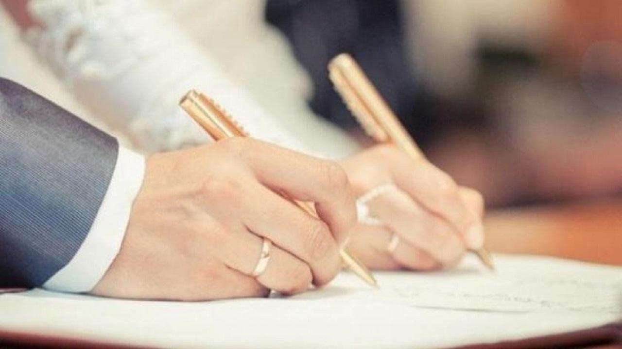 والد عروس يرفض كتابة قائمة المنقولات لابنته ويكتفي برسالة للزوج