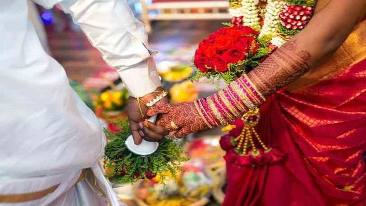 حفل زفاف ينقلب لكارثة بعد وصول عريسين لعروس واحدة