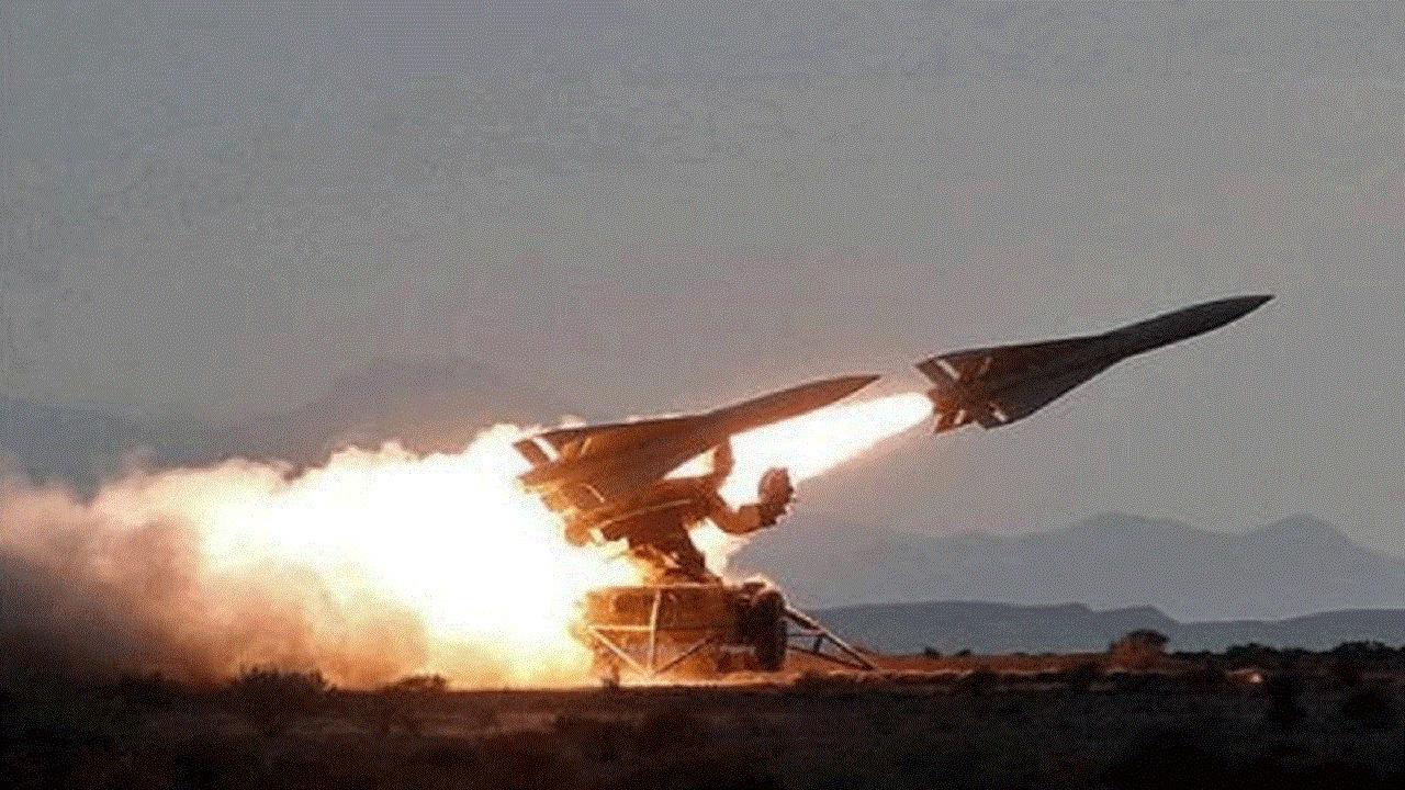 سقوط صاروخ باليستي حوثي على مدينة مأرب