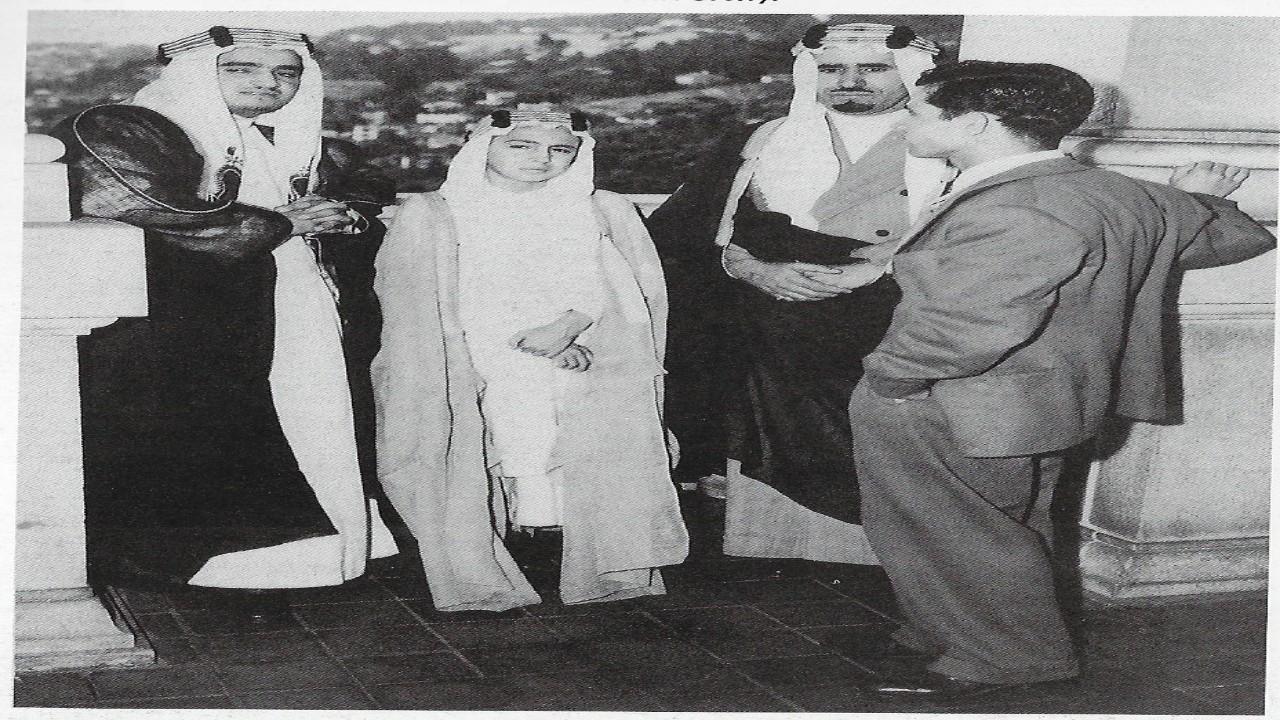 صورة نادرة تجمع الأميرمحمد بن عبد العزيز وأخيه الملك فهد قبل 76 عاما