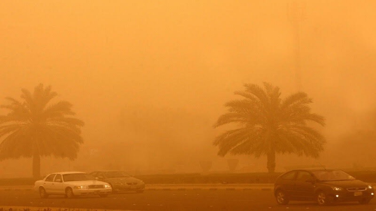 عواصف رملية على الرياض تتسبب في انعدم الرؤية الأفقية
