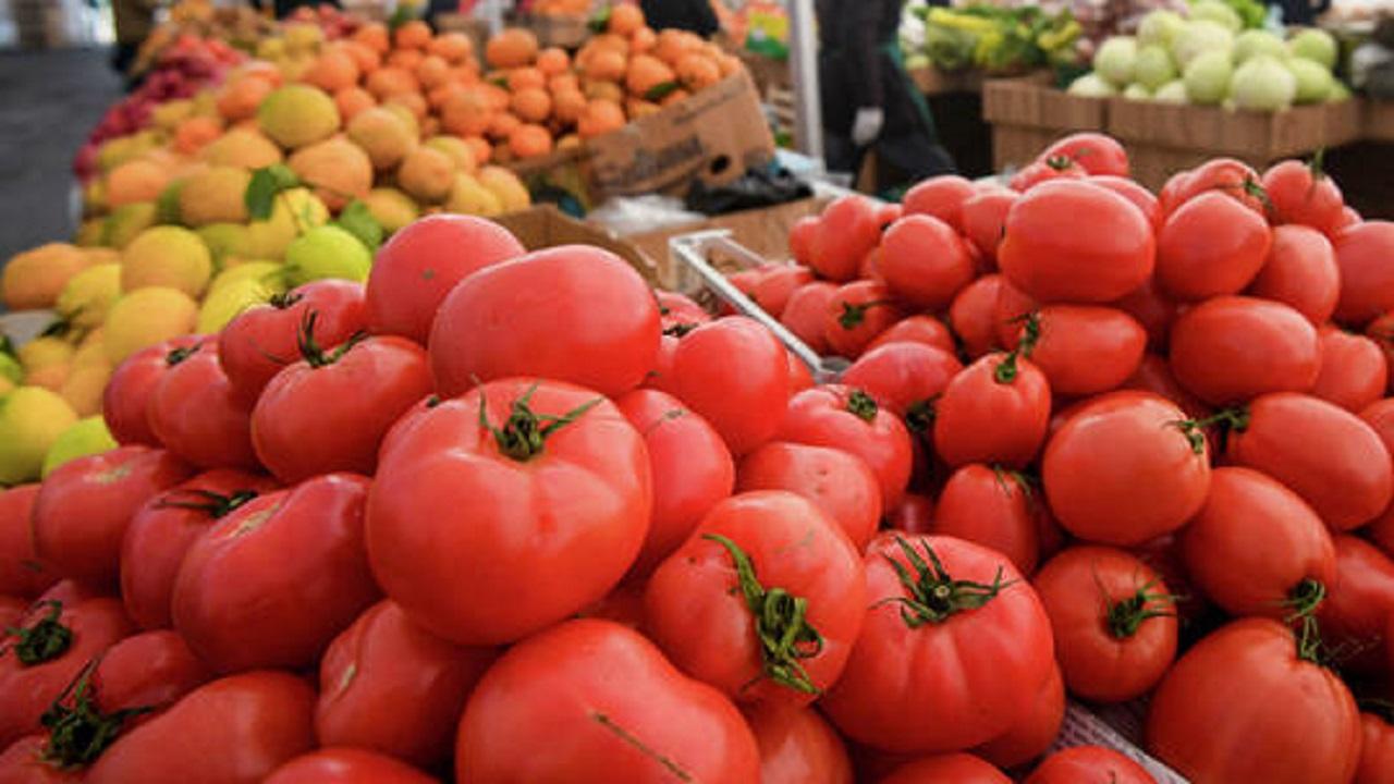 أطعمة تسبب حرقة المعدة عند تناولها مع الطماطم