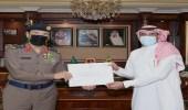 وزير الداخلية يوجّه بتكريم مواطن منع نشوب حريق في مبنى سكني