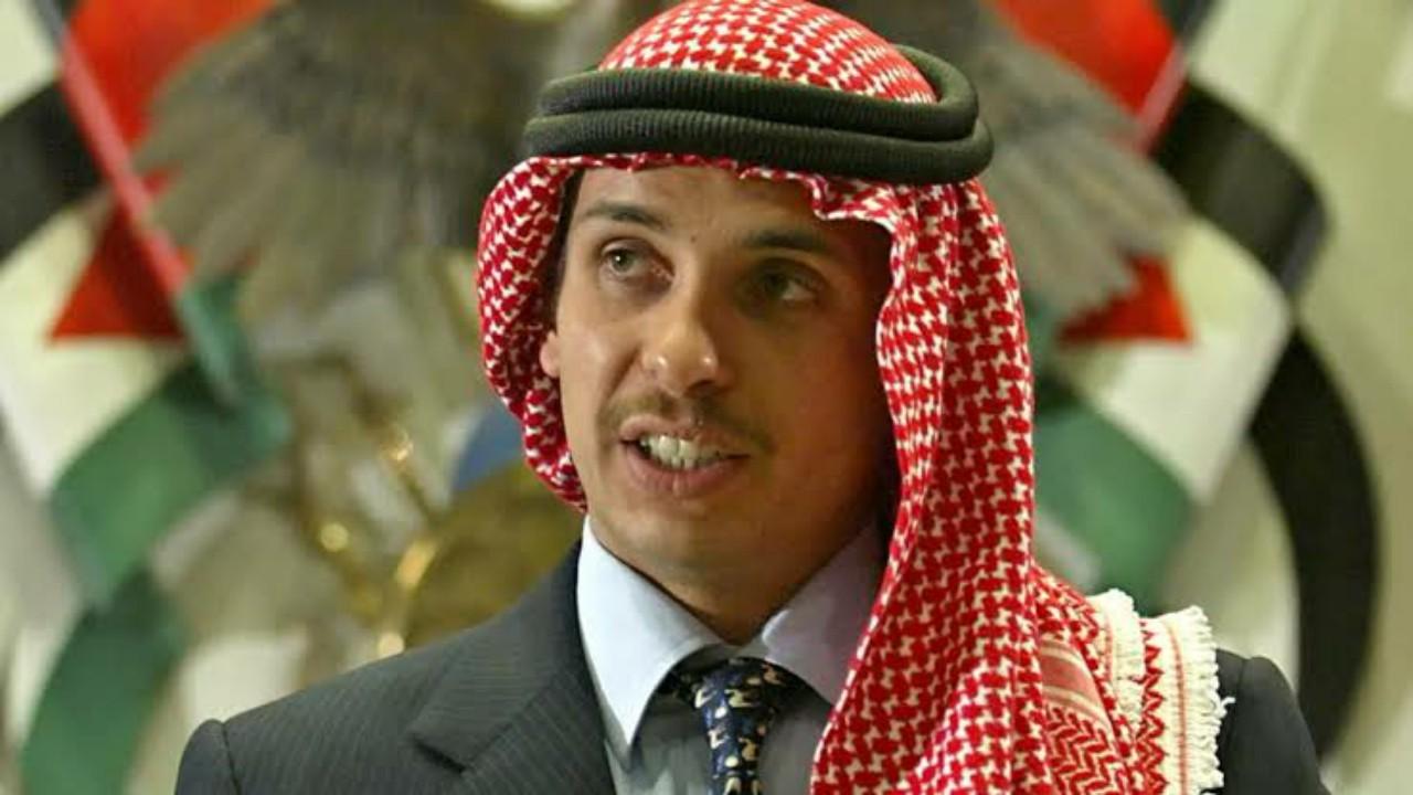 باسم عوض الله: الأمير حمزة كان حاقدًا على الملك عبدالله ومستاءً من الأوضاع في الأردن