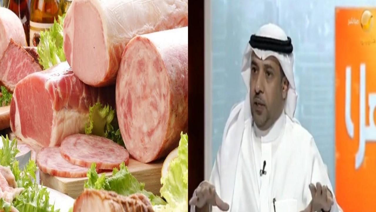 بالفيديو.. طبيب تغذية يكشف الفروق بين اللحوم الطبيعية والمصنعة في المختبرات