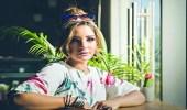بالفيديو.. أول ظهور لمرام البلوشي بعد تعافيها من وعكتها الصحية بإطلالة تبرز جمالها