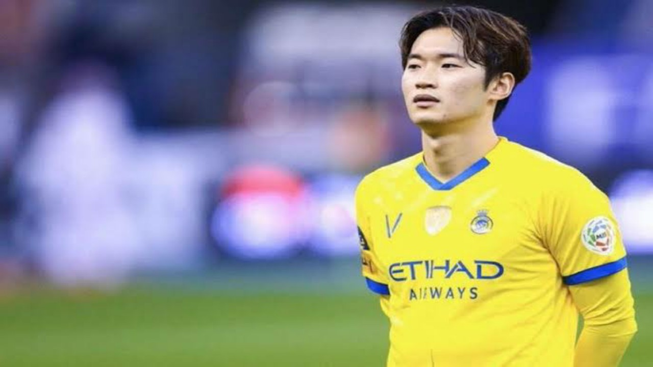 كيم جون سو يرفض تخفيض راتبه الشهري مقابل العودة لفريقه السابق