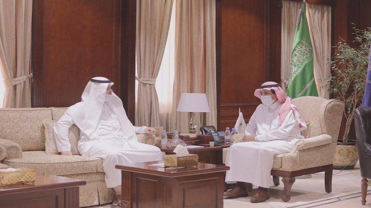 رئيس جامعة حائل يستقبل أعضاء اللجنة التأسيسية للجمعية العلمية السعودية لتطوير القطاع غير الربحي