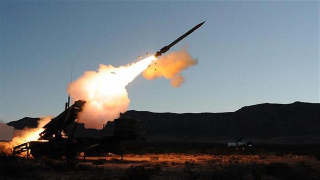 اعتراض وتدمير صاروخين باليستيين وطائرة مسيرة باتجاه خميس مشيط ونجران