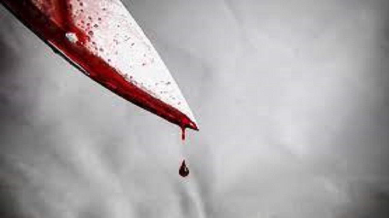 فتح التحقيق مع فتاة طعنت والدتها بسكين