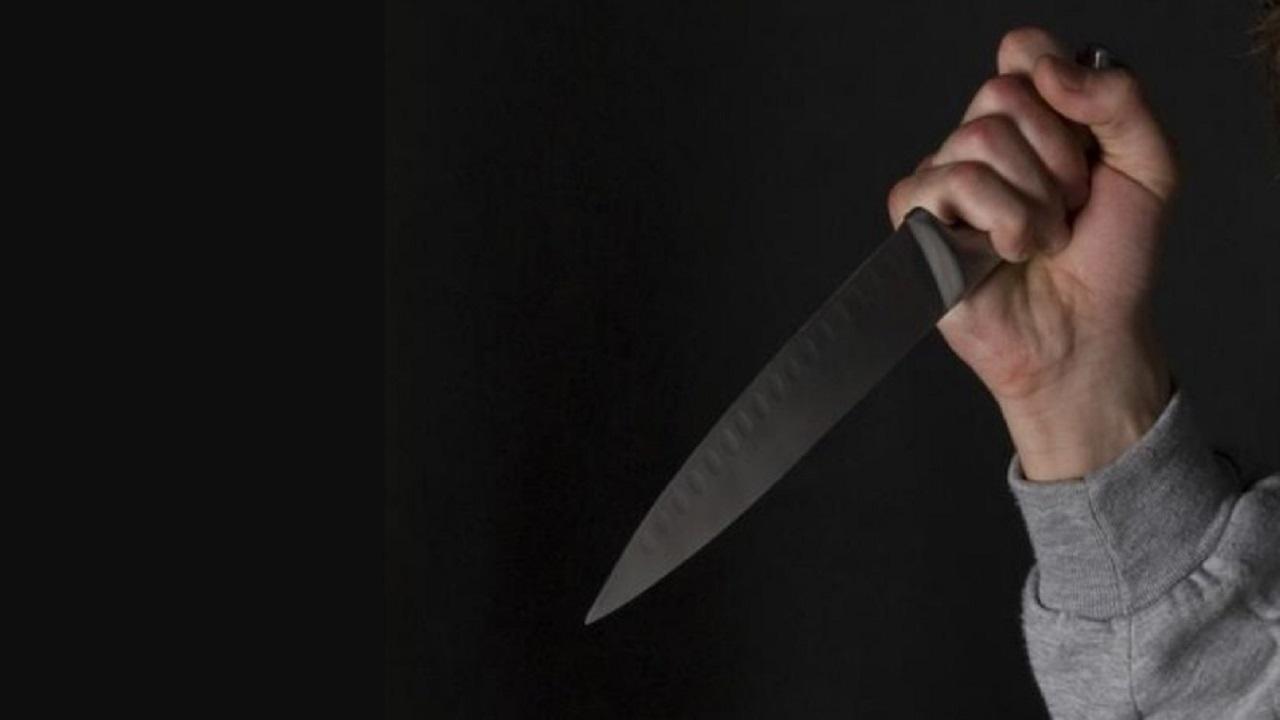 رجل يقتل زوجته انتقامًا لشرفه ويسلم نفسه للشرطة