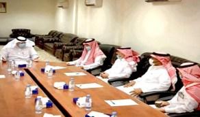 آل مشيط يترأس الاجتماع الدوري لرؤساء المراكز بمحافظة وادي الفرع