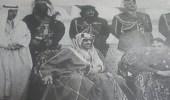 فيديو نادر يظهر الملك سعود يرافقه الملك حسين في حفل «التابلاين» بعرعر