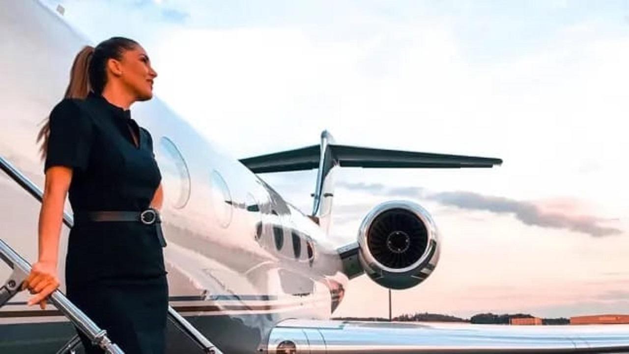 مضيفة طيران تكشف أسرار رحلات الأثرياء على متن الطائرات الخاصة