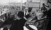 صورة نادرة للملك عبدالعزيز وإلى جانبه الملك فهد والملك فاروق بمصر