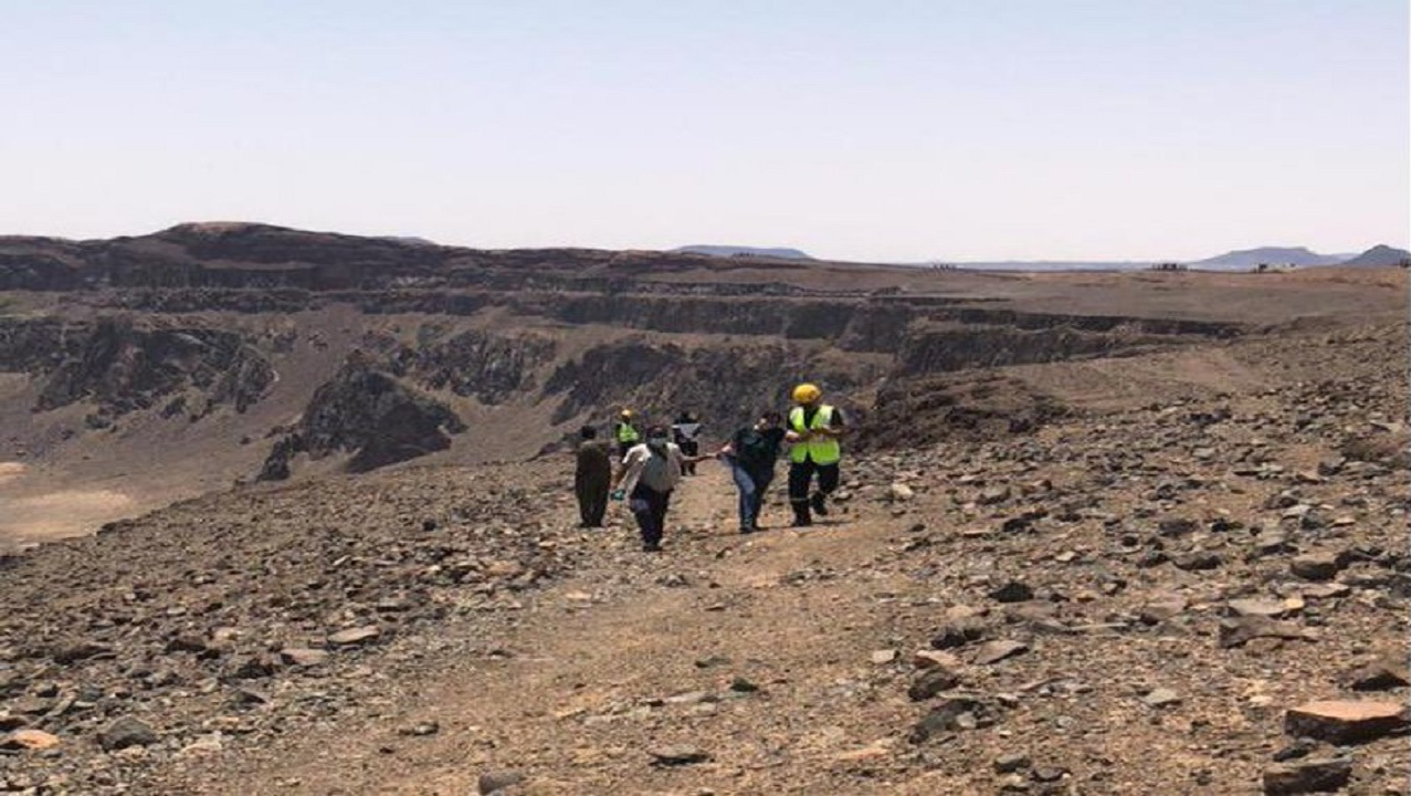 إنقاذ 9 مقيمين علقوا في منطقة وعرة بالمويه