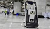 روبوتات تعمل بـ 6 مستويات لتعقيم جنبات المسجد الحرام ولتوزيع مياه زمزم