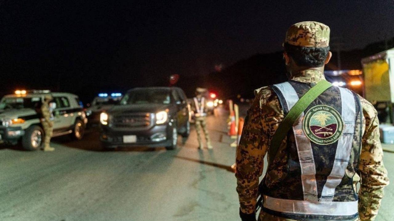 دوريات المجاهدين تفرض طوقاً خارجياً لمنع التسلل إلى عرفات