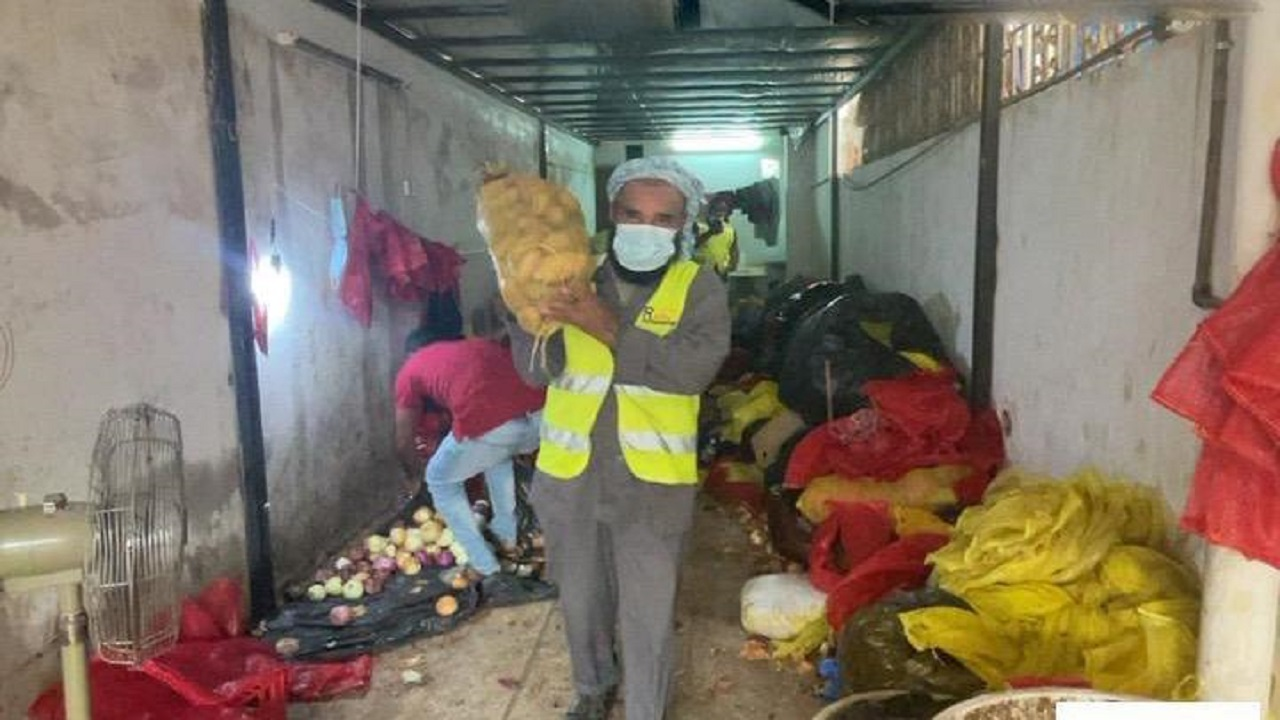 أمانة جدة: مصادرة أكثر من 10 طن خضار وإغلاق 3 مستودعات بالصفا