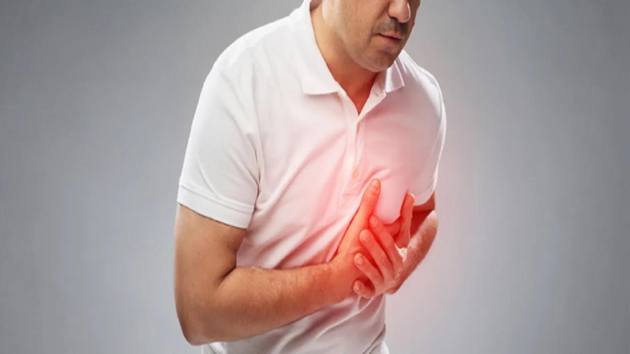 """فيديو.. طبيب يحذر من الذبحة الصدرية """"الصامتة"""" لدى مرضى السكر"""