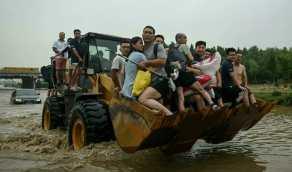 بالفيديو.. سيول عنيفة تضرب الصين وإجلاء سكان بعض القرى