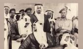 صورة نادرة للملك سعود مع نجله الصغير والملك فيصل