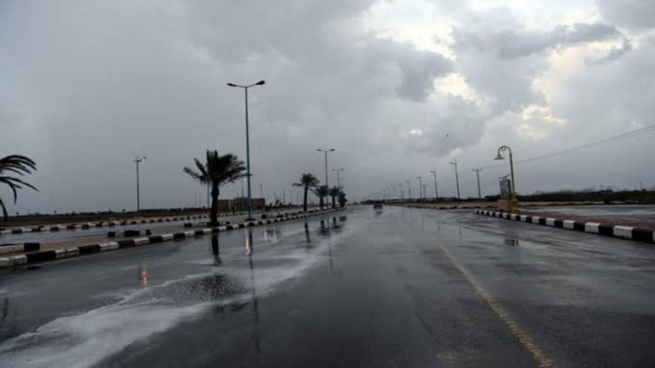 الدفاع المدني يحذر من تجاهل التنبيهات بشأن الأمطار والسيول بالعارضة