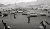 صور نادرة لعملية تنظيم الحرس الوطني للحجاج في المشاعر المقدسة قبل 45 عامًا