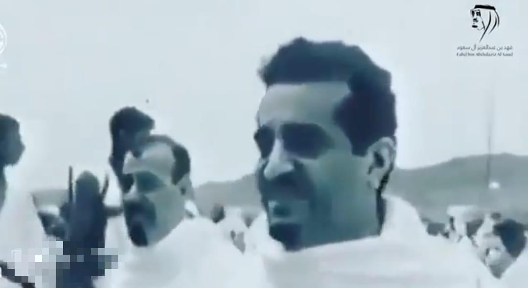 فيديو نادر يجمع الملك فيصل مع الملكين عبدالله وخالد أثناء تأدية مناسك الحج