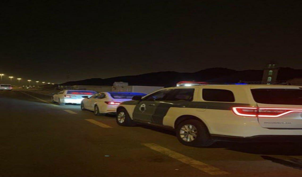 """القبض على قائد مركبةارتكب عدد من المخالفات المرورية في مكة """"صور"""""""