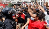 بالصور.. رشق موكب الغنوشي بالحجارة أمام البرلمان التونسي