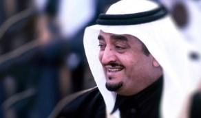 صورة عفوية للملك فهد برفقة نجله الأمير عبدالعزيز