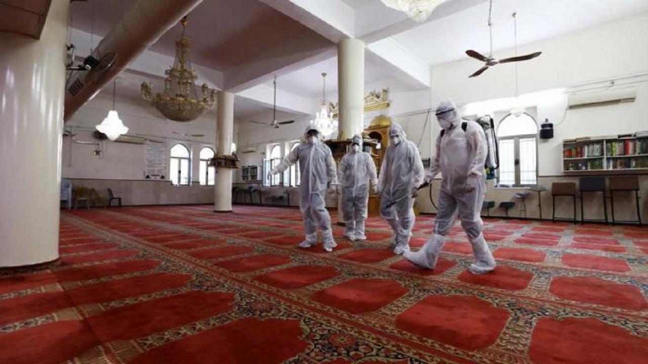 الشؤون الإسلامية تعيد افتتاح 5 مساجد بعد تعقيمها
