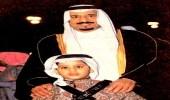 صورة نادرة للملك سلمان مع ولي العهد
