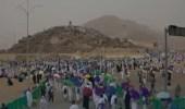 بالفيديو .. أجواء إيمانية لحجاج بيت الله الحرام أثناء وقوفهم بجبل الرحمة